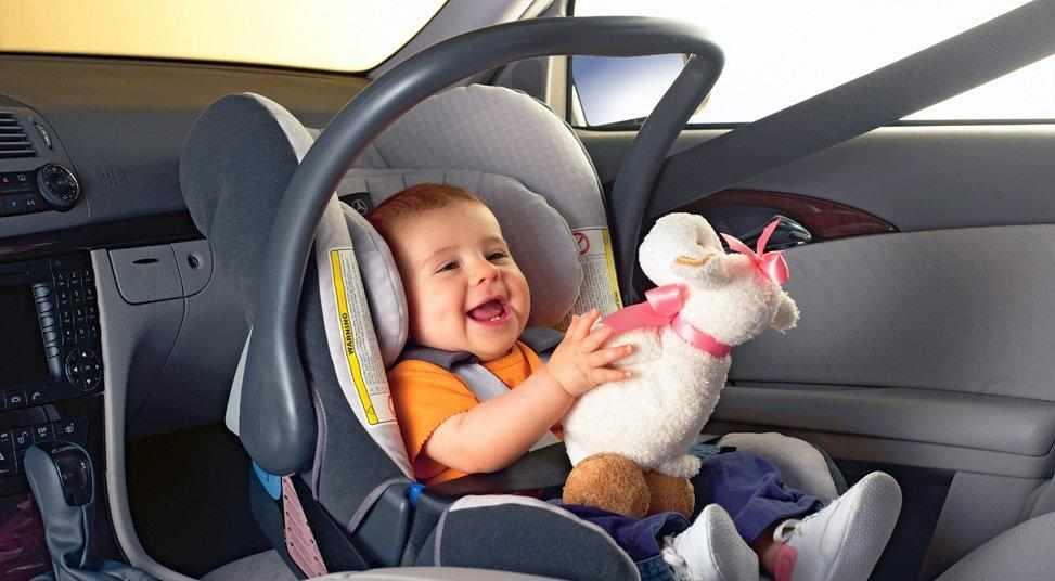Ребенок в детском кресле